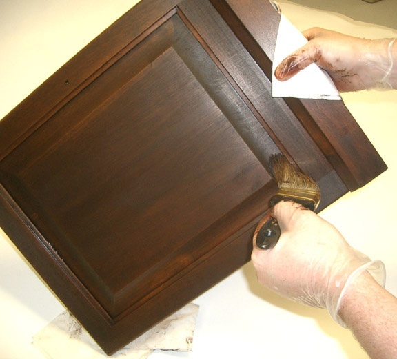 use a bristle brush to remove excess gel stain from corners from the gang at - Cabinet Stain