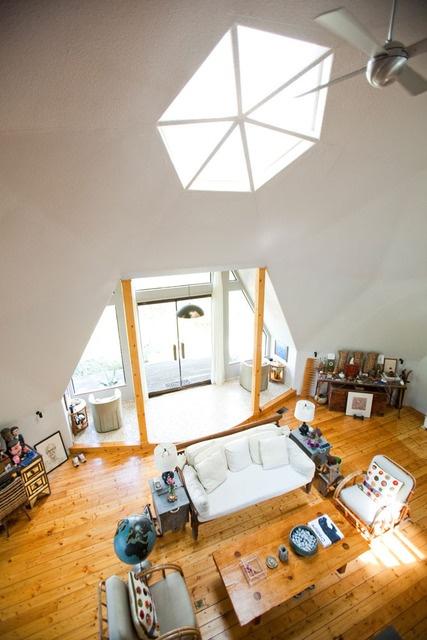 White Wallboard Walls   Keith U0026 Franu0027s Arty Geodesic Dome Home
