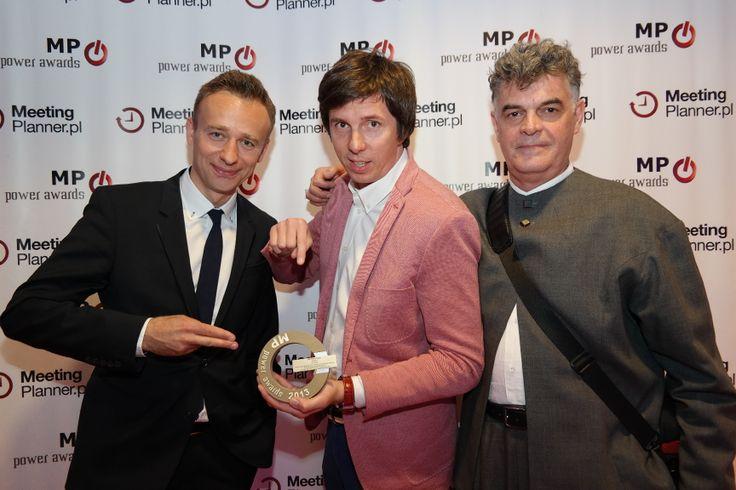 Jet Events laureatem głównej nagrody w kategorii Kongres tegorocznego MP Power Awards! Statuetkę prezentują: Jarosław Sądej, Paweł Ratyński i Bogdan Wąsiel.