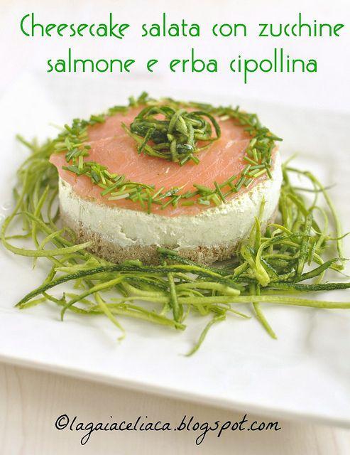 Cheesecake salata di zucchine e salmone con erba cipollina
