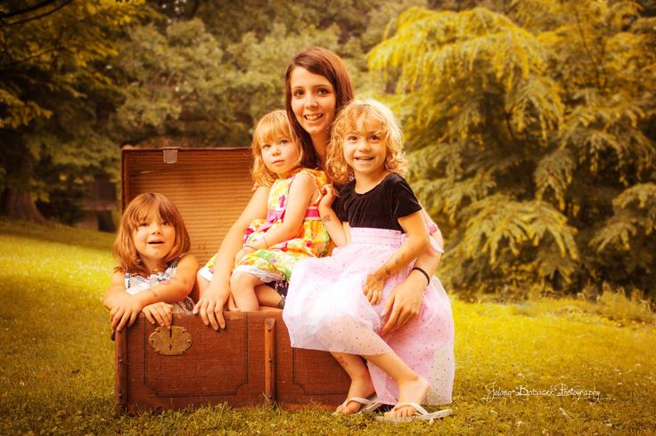 Family Photo Session + Old Chest = Fun and smiles! To see more of them go to: www.JolanaBPhotography.com