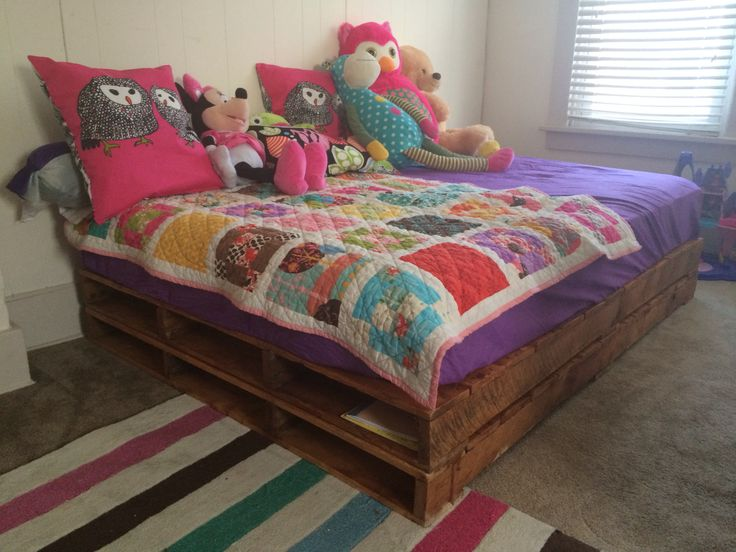 Mercy S Full Size Pallet Bed Sanded And Stained Light Oak