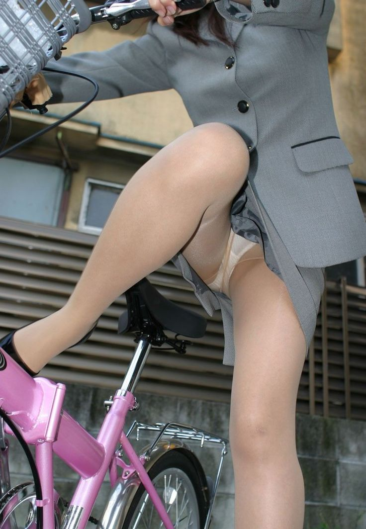 Business woman upskirt