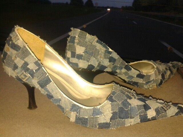 Schoenen met stukjes spijkerstof