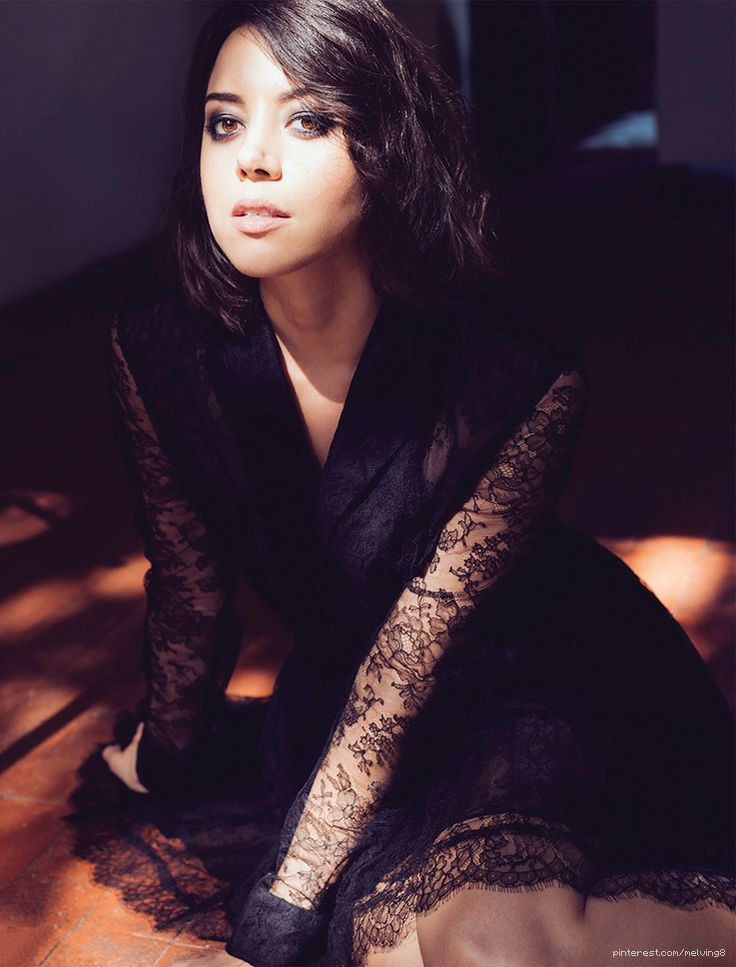 Do people even realize what a babe Aubrey Plaza is? I don't think so.