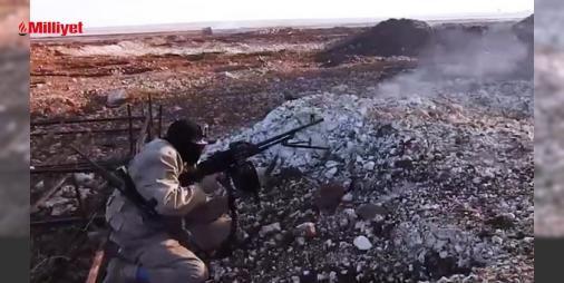 El Bab'da terörist kendi ölümünü çekti!: Türkiye'nin sınır ötesi harekâtı Fırat Kalkanı ile IŞİD'in kökünün kazındığı El Bab'dan yeni bir görüntü var. Görüntüyü, güvenlik uzmanı Abdullah Ağar Twitter hesabından paylaştı. Başına bir kamera takan IŞİD teröristi, bölgedeki Türk özel kuvvetlerine Bixi silahıyla ateş açıyor. Ancak tam o ...