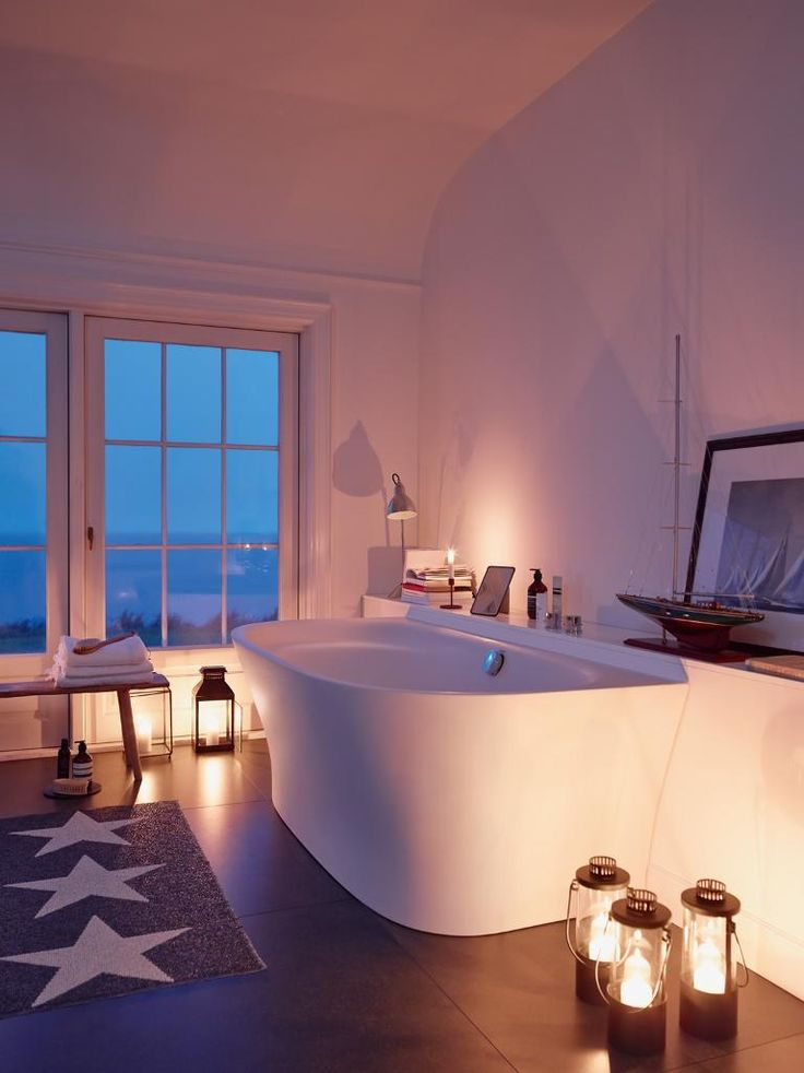 The Cape Cod bathtub by Duravit sets the right mood.
