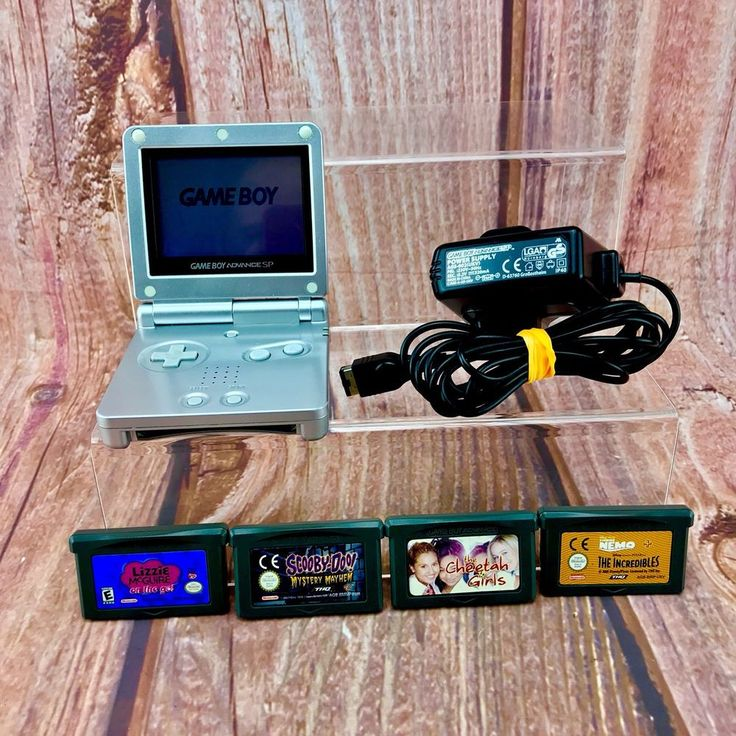 Nintendo gameboy advance sp Silver Handheld AGS-001 Bundle & Charger