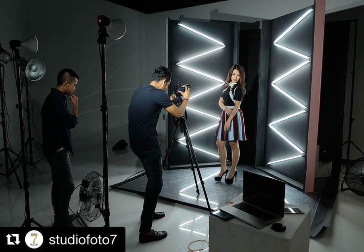 Behind the scenes via  @studiofoto7 |  S7 NEON OBSESSION #s7neonobsession - SneakPeak of our New Obsession at GRANDE . Featuring @linapriscilla .  @gemagrafi .  @yogart11 . Mua @dedeon_makeup . Concept @cynthia__veronica . Studio #studiofoto7 #studiofoto7grande . #BTSstudio7bintang #BTSbyCyn #CynStudioLife…