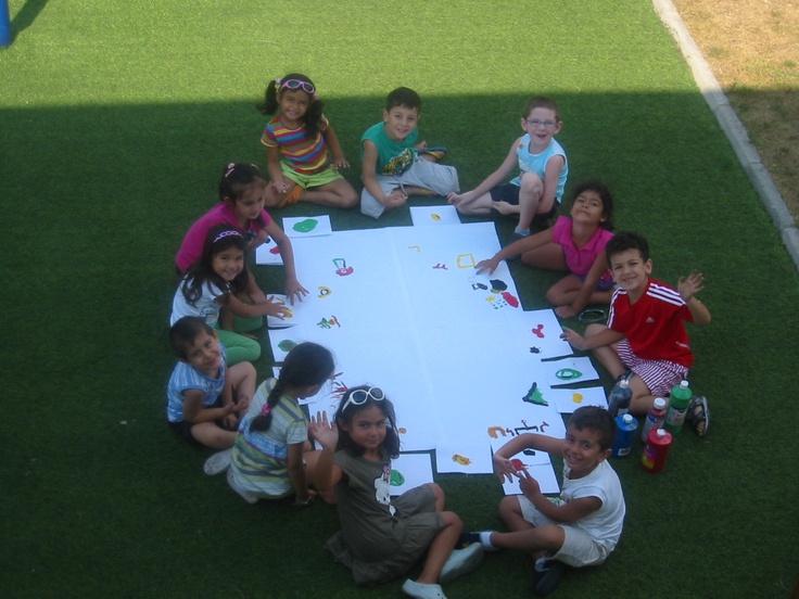 Birkaç imla hatası var düzeltmek lazım http://www.ekinanaokulu.com/ Ekin Anaokulu Beyliküdüzü bahçede oturan çocuklar