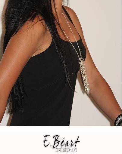 """Ce collier bijou est raffiné et élégant . Notre modèle """"Mathilde"""" en métal argenté peut se porter avec ou sans cigarette électronique"""