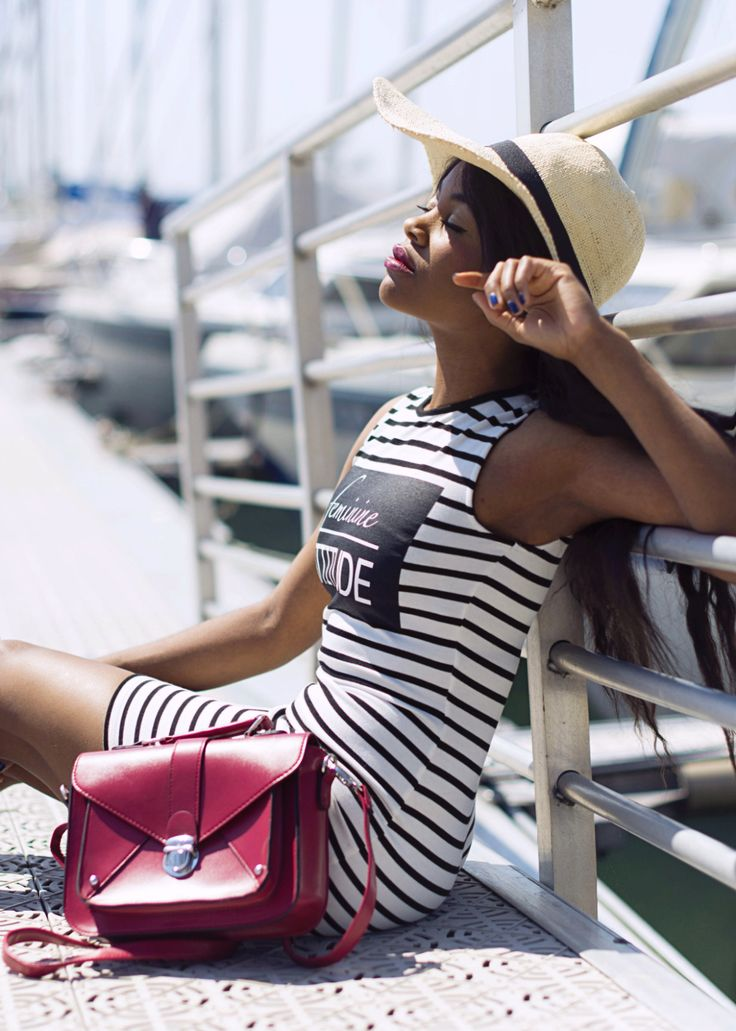 -black-bloggers-Wallace-yolicia-how-wear-striped-summer-dress-fashion-bloggers-tips-style