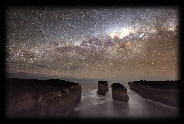Starry night... Loch Ard Gorge #GreatOceanRoad |  Pic courtesy of www.portcampbellhostel.com.au