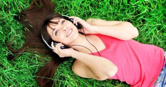 Que diriez-vous d'un bon site de musique pour écouter vos morceaux préférés gratuitement ? Vous êtes intéressés ? C'est bien ce que je pensais ;-).  Découvrez l'astuce ici : http://www.comment-economiser.fr/ecouter-de-la-musique-en-ligne-gratuitement.html