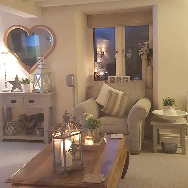 Well my little treasures...I will bid you farewell for today....enjoy your Friday Evening....goodnight xxx #westbarninteriors #heartmirror #barkerandstonehouse #25beautifulhomes #cosylounge