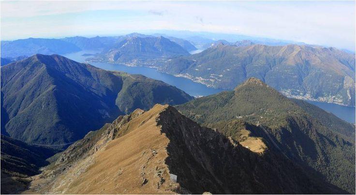 Il Monte Legnone si staglia sopra a Dervio, immerso nella Val Varrone. Dalla cima si gode dell'incredibile vista sulla triforcazione del Lago di Como