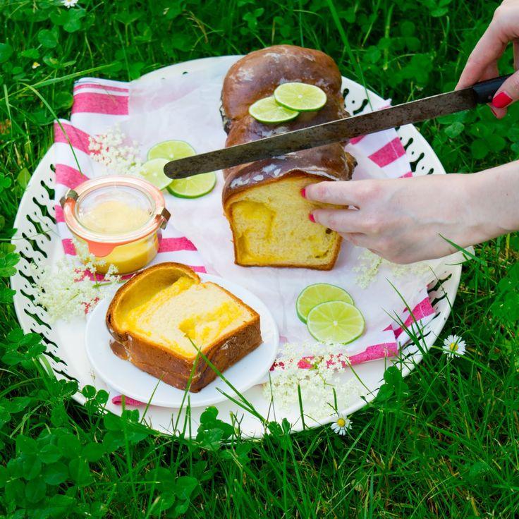 SUGARTOWN: Babka z brioškového těsta s bezinkovo-limetovým krémem/Brioche dough babka with elderflower and lime curd