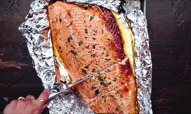 Ce saumon au miel et à l'ail est d'une simplicité désarmante!