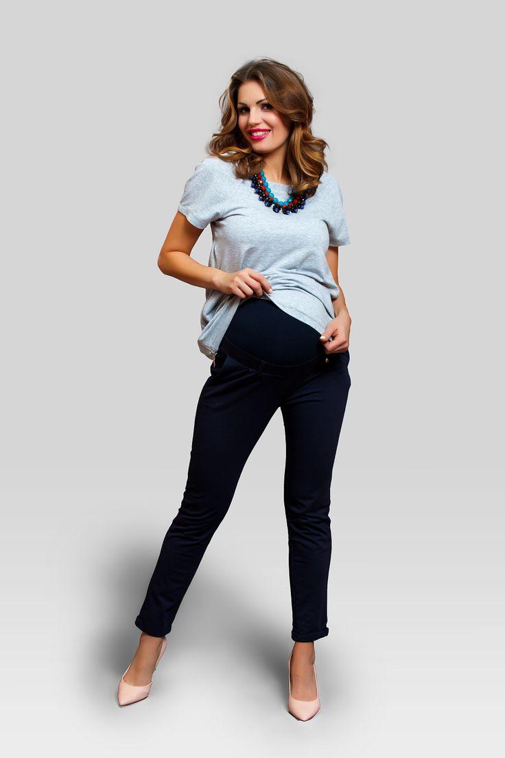 Confort este cuvantul de ordine cand vine vorba de pantalonii de gravide Sugar. Sunt super comozi, dintr-un bumbac soft, cu o croiala super, buzunare laterale si banda inalta peste burtica. Modelul ii face accesibili la transformari de la o tinuta sport, la una smart casual perfecta pentru gravide.  #maternitychic #pants #burticabusiness