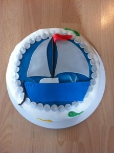 Sailboat cake filled with chocolate!