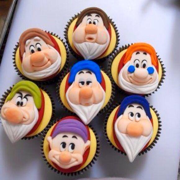 Seven Dwarf Cupcakes #snowwhite #disney #cupcake