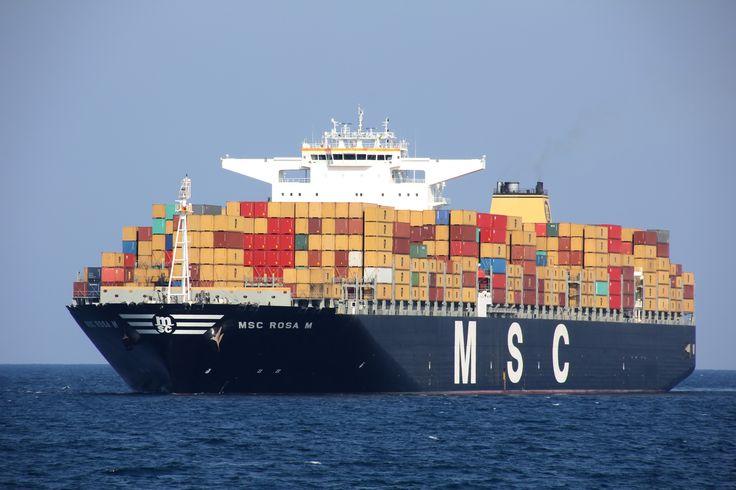 """Buque: """"MSC ROSA M"""". Año de contrucción: 2.010. Tipo: Portacontenedores. Propietario: Mediterranean Shipping Company. Operador: Global Container MSC. Dimensiones: Eslora 365,81 m. Manga 51,28 m. Calado 16 m. Carga (DWT): 165.991 Tm. Capacidad máx. contenedores TEU: 14.000. Cont. frigoríficos: 2000. Motor: MAN-B&W - tipo: 12K98MC-C7. Potencia: 72.026 Kw. Velocidad máxima: 15,6 nudos. Distintivo: 3FDM4. IMO: 9461398. Bandera: Panamá."""