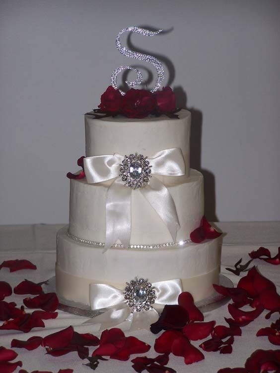 wedding cake ribbon with rhinestones 25 rhinestone wedding cakes ideas on 23689