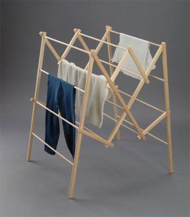 Como fazer um varal de chão para secar roupas