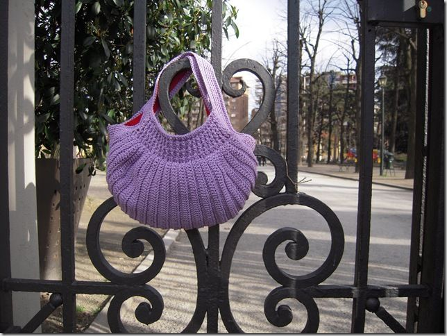 http://knitaly.blogspot.it/2010/06/cell-cozy.html: Cell Cozy, Knits Crochet, Crochet Bags, Bottoms Bags, Bags Patterns, Free Patterns, Crochet Patterns, Crochet Knits, Cozy Bags