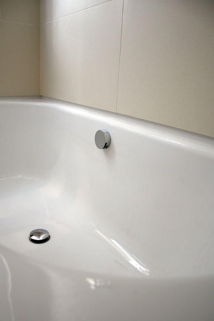 Bette steel bath with upstand - London bathroomsLondon bathrooms