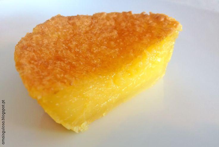 Queijadas de Leite, uma delícia em forma de bolo | Há alguém mais gulosa do que eu? 500 ml leite 25 g manteiga 400 g açúcar (para a próxima faço com 350 g) 100 g farinha 4 ovos Raspa de meio limão