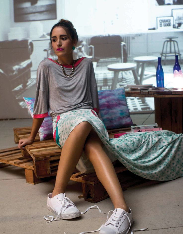 Oversized shirt + print skirt / Camisa holgada + falda estampada- Mofeta Roseta