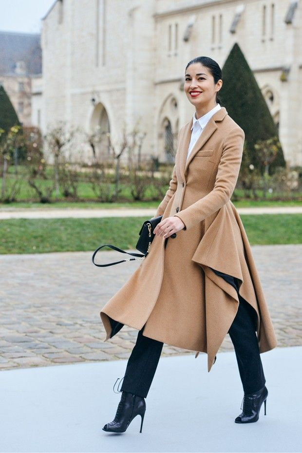 Fashion: Fall / Winter. Paris Street Style Trends: What Parisians Are Wearing Now