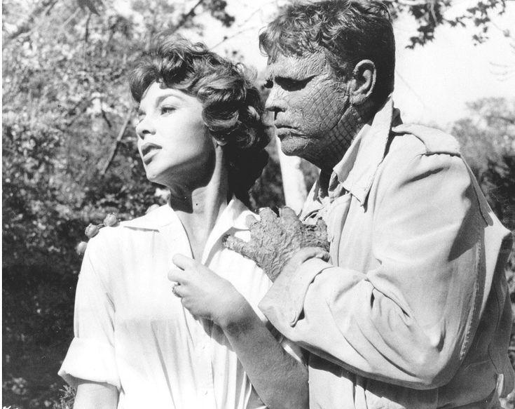 Beverly Garland and Richard Crane in The Alligator People (1959)