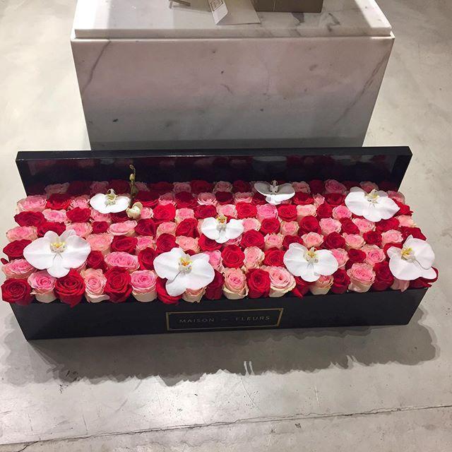 Flowers make people happy ❤️ #MaisonDesFleurs_uae#flowerarrangements#redroses#orchids#delivery#giftideas#celebrations#weddings#events#birthdays#newborns#uae#abudhabi#alain#sharjah#rak#mydubai