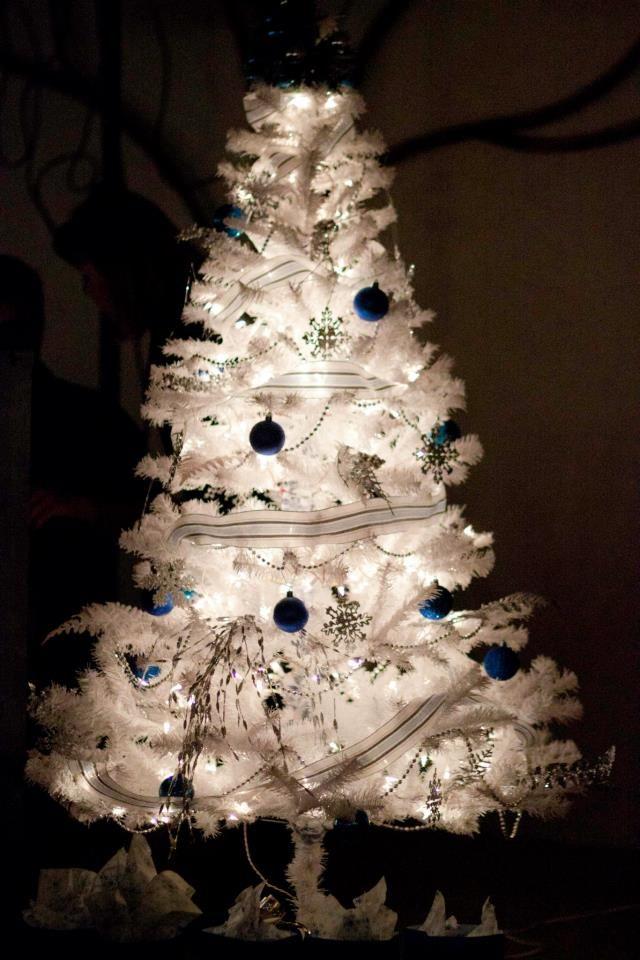 White christmas tree winter christmas pinterest for White christmas tree pinterest