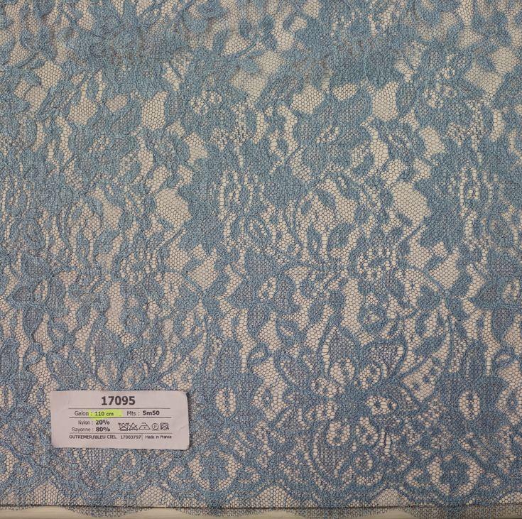 17095 - 110 cm - 5m50 - outremer/bleu ciel - 135€ - Dentelles Jean Bracq
