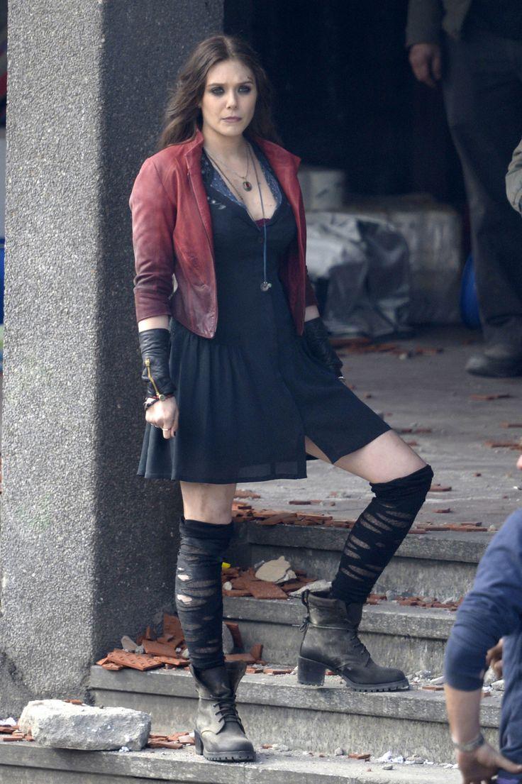 『アベンジャーズ: エイジ・オブ・ウルトロン』のエリザベス・オルセン演じる新しい戦うヒロインのスカーレット・ウィッチ★