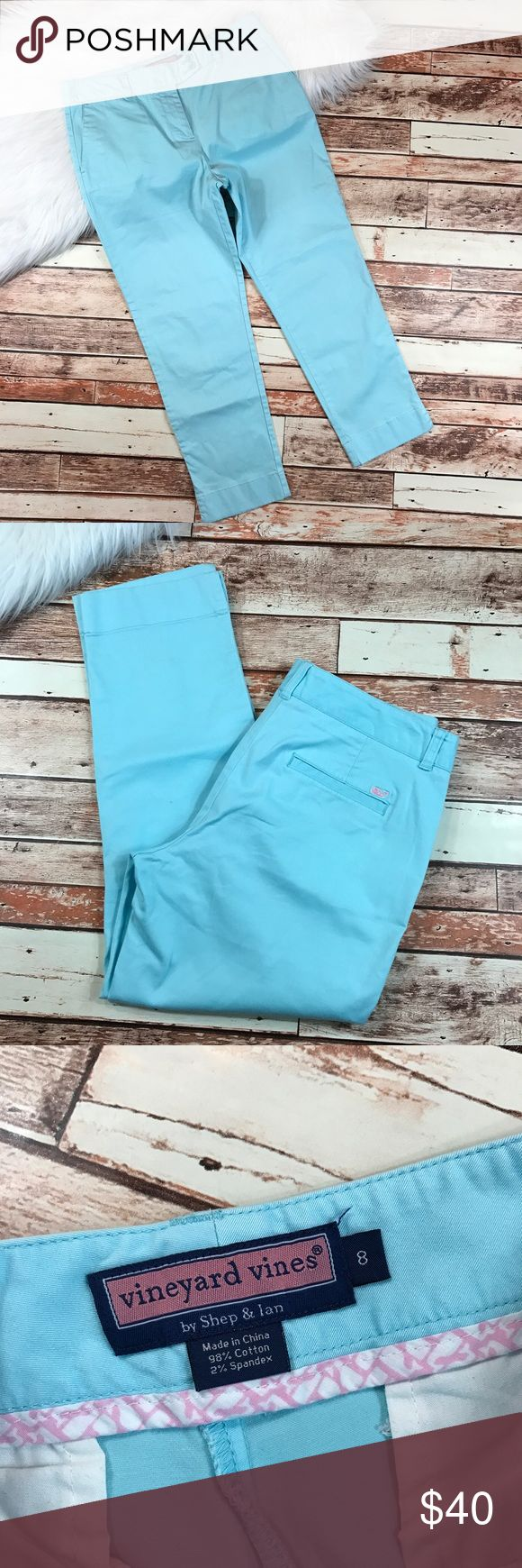 Vineyard vines light blue pants Size 8, in excellent pre owned condition, no flaws!  inseam-25  waist-16 straight across  list-10  ::582 Vineyard Vines Pants Ankle & Cropped
