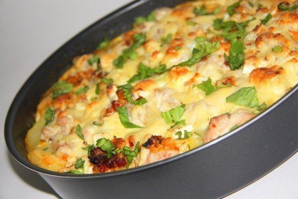 Potato casserole with chicken and cheese (French)