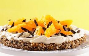 Frugttærte - uden ovn En glutenfri tærtebund bestående af tørret frugt, nødder og kerner. Kan fryses.