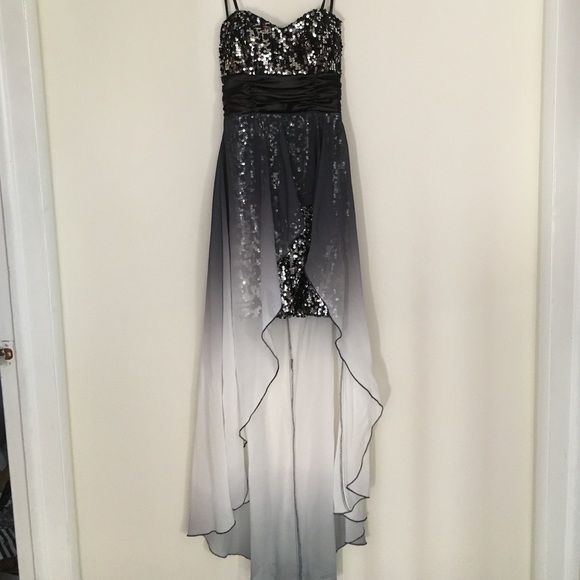 Speechless Black, White, and Silver Dress Black, white, and silver dress. Short under slip covered in sequins with a long black and white gradient, sheer outer skirt (idk man what is it called). Worn twice. Speechless Dresses Strapless