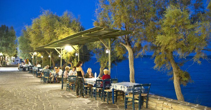 Drios, dining by the sea..
