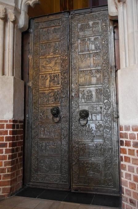 Gniezno's door