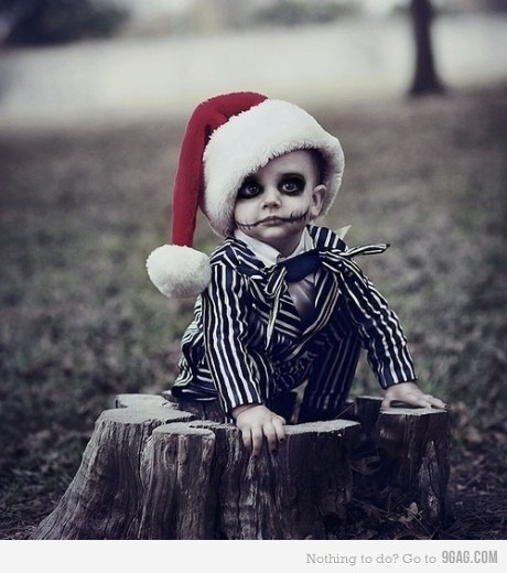 just another reason i need to have kids so i can dress them up as jack and or sally for christmas cards ;)