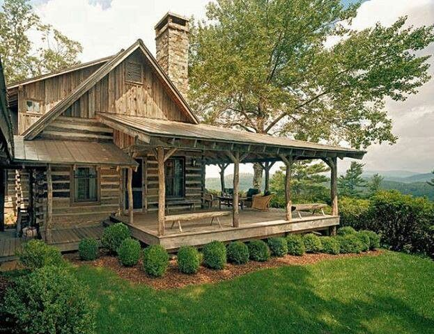 Log cabin wrap around porch love those cabin 39 s and for Small cabin floor plans wrap around porch
