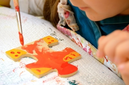 Painting puzzle pieces craft (from the M blog)