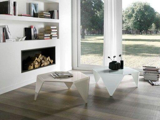 Home sweet home. Relaxing time ! Have a nice weekend. Get a look : ➡ http://www.infabbrica.com/it/mobili-zona-giorno/tavolini-da-salotto-tavolini-cristallo-tavolini-in-vetro/tavolini-in-vetro/1905-hook-tavolino-da-salotto.html