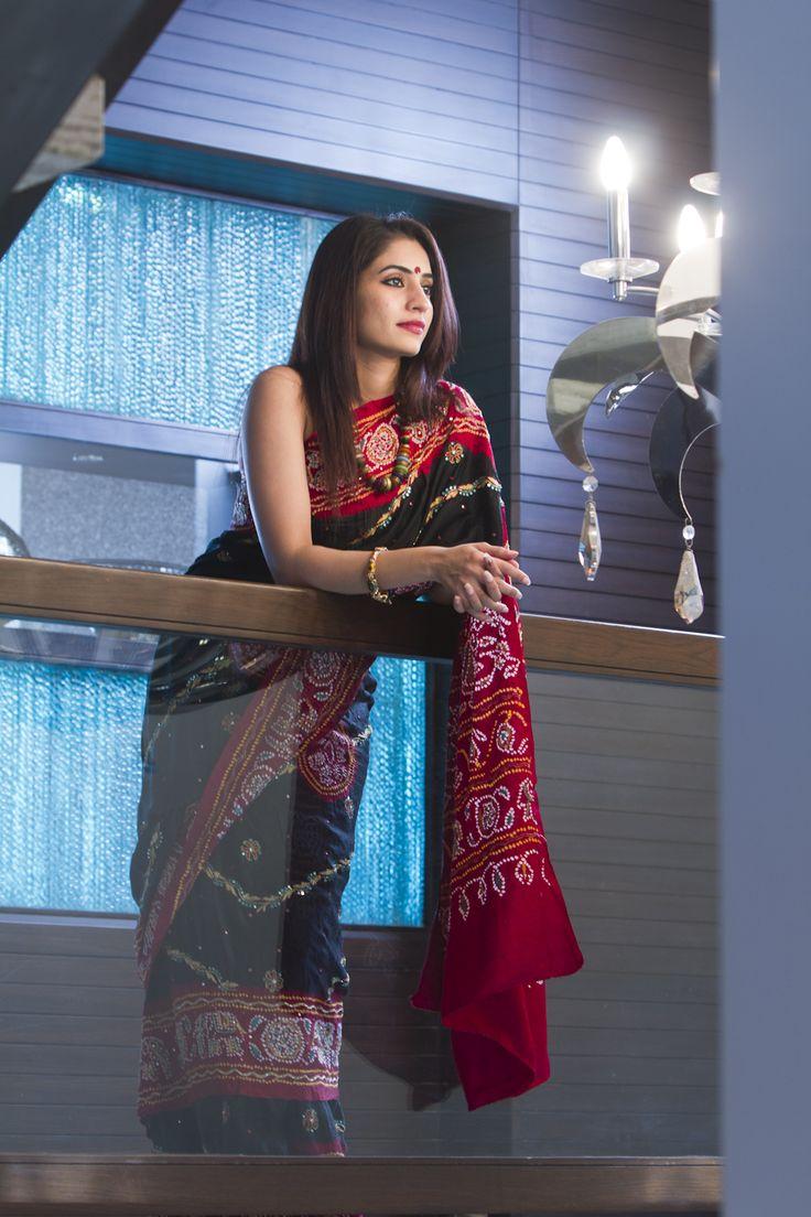 Designer Bandhani Saree  For more details call/whatsapp- 91-9377399299  #sankalpthebandhejshoppe #designersaree #bandhej #bandhani #tie&dye #bandhanisaree #bandhejsari #sari