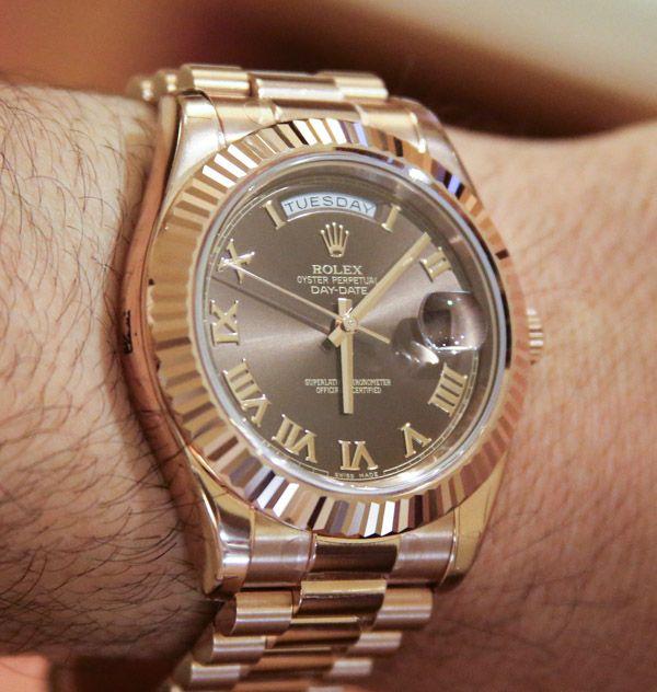Kết quả hình ảnh cho đồng hồ rolex màu cafe số la mã